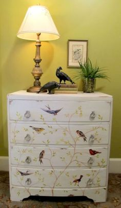 17 Stunning Decoupage Ideas to Makeover Your Furniture https://www.futuristarchitecture.com/32696-makeover-your-furniture.html