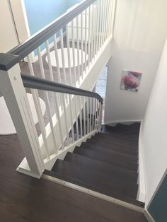 Wangentreppe – Unsere Innentreppe mit Treppengeländer – Staircase with stairs – our internal staircase with banisters – # Bannister Dark Staircase, Staircase Design, Banisters, Stair Railing, Interior Railings, Escalier Design, Modern Stairs, Basement Bedrooms, House Stairs
