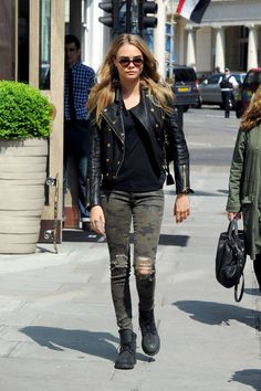 Celebrities Jean Queens: Cara Delevingne
