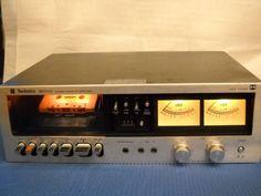 Technics RS-630 de 1976. Deck Compact Cassette con chasis inclinado