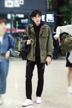 Asian Fashion, Boy Fashion, Nowhere Man, Song Wei Long, Perfect Husband, Asian Love, Cute Korean Boys, Chinese Man, Ulzzang Boy