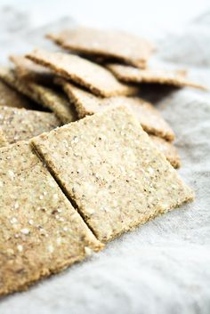 low-carb-crackers