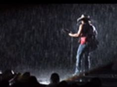 """There's Something Sexy About The Rain"" live in Dallas"