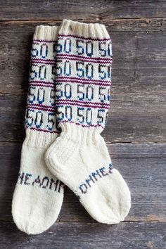 50 Knitting Videos, Knitting Accessories, Knitting Socks, Knit Socks, Marimekko, Mittens, Knit Crochet, Slippers, Ideas