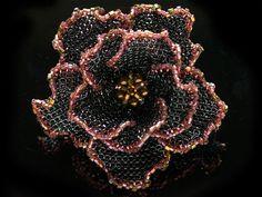 ワインカラーの2トーンビーズコサージュ #カザリ咲色 #ビーズ #ビーズフラワー #ビジュー #ハンドメイド #コサージュ #手作り #手芸 #アクセサリー #コスチュームジュエリー #bead #beads #bijou #beading #beadedflower #beadswork #beadwork #beadsph #bijoux #beaded #biser #corsage #handmade
