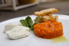 #Tartar z dýně s kozím sýrem, topinky z bílého pečiva \ \ \ + www.morgal.cz Cornbread, Dairy, Cheese, Ethnic Recipes, Food, Millet Bread, Essen, Meals, Yemek