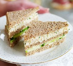 Lemony crab & cucumber clubs - White crabmeat, mayo and chives make a delicious afternoon tea sandwich filling that's special enough for a celebration treat Crab Sandwich, Sandwich Fillings, Sandwich Recipes, Tea Party Sandwiches, Finger Sandwiches, Cucumber Sandwiches, Afternoon Tea Recipes, Afternoon Tea Parties, Mothers Day Cake
