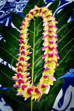 Items similar to Hawaiian Flower Lei Butterfly Style on Etsy Money Lei, Flower Lei, Flower Garlands, Hawaiian Flowers, Hawaiian Leis, Aloha Hawaii, Hawaii Travel, Beautiful Flower Designs, Beautiful Flowers