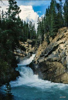 ˚Sunwapta Lower Falls