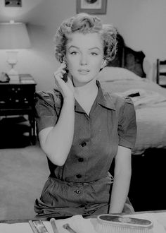 Marilyn Monroe in Don't Bother to Knock (1952).
