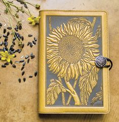 This Oberon journal is beautiful leather. I love these journals because you can refill them. #I-love-journaling #Oberon #pamela-kuhn
