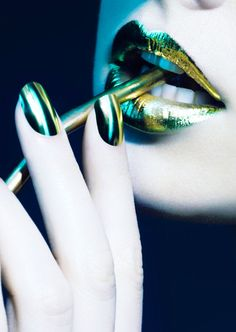 #green #beauty #makeup #lips #nails