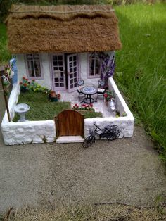 Teeny Tiny Things: Thatch Cottage - 1/12th scale miniature dolls house