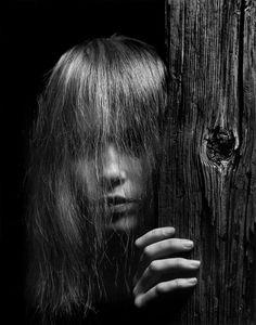 Mia Farrow 1964 by Philippe Halsman Popular Photography, Photography Awards, People Photography, Nature Photography, Mia Farrow, Magnum Photos, Black And White Portraits, Black White Photos, Black And White Photography