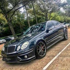 No photo description available. Mercedes E55 Amg, Mercedes Benz Autos, Mercedes E Class, Benz E Class, Bugatti, Lamborghini, Ferrari, Custom Mercedes, Mercedez Benz