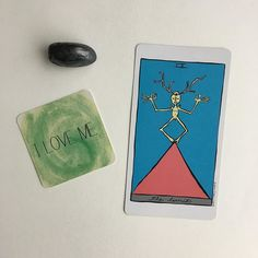 Card and mantra for the day.  Self care is always at the tip of my tongue. I love me. I do love me. I don't always do what I like or even agree with but I accept and love myself.  The hermit tells me that the love come from clarity and introspection. All we need is within us.  Kid are going to my parents for a bit today so silence is a thing I'm really looking forward too.