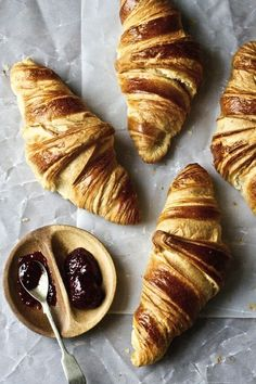 How Croissants are Made - very cool video. Happy Bastille Day 2013 - Bon Anniversaire mes amis!