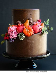 Are you inspired by the fall leaves and what to make them into beautiful fall cakes? Learn how easy it is to create these amazing fall cakes. Fall Wedding Cakes, Beautiful Wedding Cakes, Gorgeous Cakes, Pretty Cakes, Amazing Cakes, Autumn Wedding, Cupcakes, Cupcake Cakes, Cake Decorating Techniques