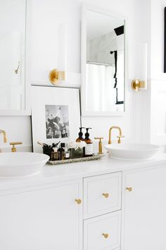 gold hardware in the bathroom