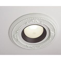 SMALL CLASSICAL CAN LIGHT MEDALLION-like the idea! instead of replacing with pendants