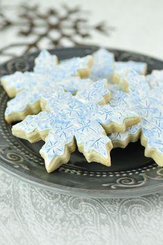 Icy Snowflake Cookies