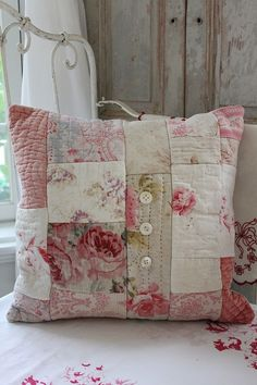 Must-haves in a #ShabbyChic bedroom. Pretty cushions, floral quilt covers and breezy white curtains.