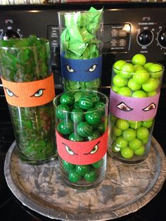 Image Only---Teenage mutant ninja turtle party---Different size vases filled with candy and decorated with construction paper to look like Ninja Turtles. Turtle Birthday Parties, Ninja Turtle Birthday, Ninja Turtle Party, Birthday Fun, Ninja Turtles, Birthday Ideas, Carnival Birthday, Turtle Baby, Ninja Turtle Cakes