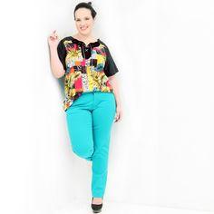 Blusa Pólo Aplicação Pelica Túnica Plus Size com frente estampada com aplicação em pelica com mangas e costa em tafetá #tunicaplussize #plussize #modaplussize #modaplussizebrasil #mulherplussize #mulheresplussize #tamanhogrande #vickttoriavick #modaplussizebr #plussizebrasil #plussizefashion #modagg #moda #fashion #feitonobrasil #plussizes #plussizebr #gordinhasdobrasil #modafemininaplussize #somosplussize #lojaplussize #lojafeminina #mulheresreais