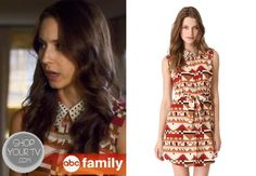 Spencer Hastings (Troian Bellisario) wears this sleeveless shirtdress with fold-over collar, geometric print, and triangle cutout in this week's episode of Pretty Little Liars. Spencer Hastings Style, Pretty Little Liars Seasons, Troian Bellisario, Shirtdress, Season 4, Shirt Shop, Printed Shirts, Preppy, Triangle