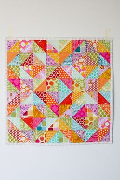tutorial:  this is so pretty.  I made this block for a swap once; the key is to measure, measure, measure, and keep it squared up as you go.
