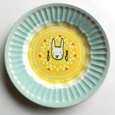 A great fusion of old and new. Not just for kids! Old And New, Decorative Plates, Sweet Home, Kawaii, Pottery, Tableware, Vintage, Kitchens, Kids