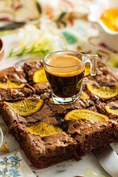 Portakalla çikolatanın uyumu tartışılmaz.. Cevizle browninin uyumu anlatılmaz.. Hepsinin birleşiminden doğan güzelliği ise yaşamak lazım! ...