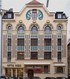Art Nouveau building in Munich, Germany. - Munchen Jugendstil
