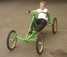 AtomicZombie Bikes, Trikes, Recumbents, Choppers, Ebikes, Velos and more: Handmade recumbent quadcycle