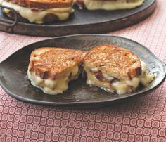Taleggio Grilled Cheese with Bacon and Honey Crisp Apples   KitchenDaily.com