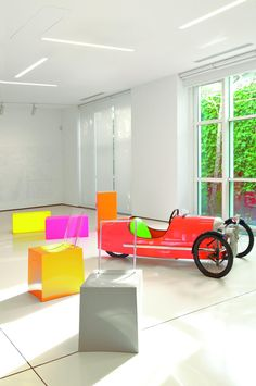 ••• 4D OUTFITTERS ❤ KARTELL •••   gibt es bei 4D OUTFITTERS in Bregenz, www.4Dbregenz.at