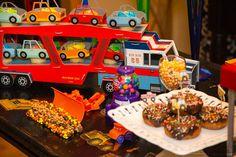 """Festa """"Caminhões e Tratores""""   Dika Kids"""