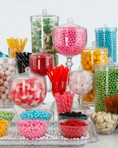 Rainbow candy bar inspiration-- in store really looks like a rainbow-- brilliant display! << this would be so cute as a dessert table Rainbow Candy Bars, Rainbow Candy Buffet, Candy Table, Candy Buffet Tables, Dessert Buffet, Dessert Bars, Diy Fest, Bar A Bonbon, Wedding Candy