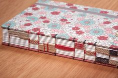 Handmade Journal - Exposed spine sewing with raised cords & woven spine   SIUYUETT