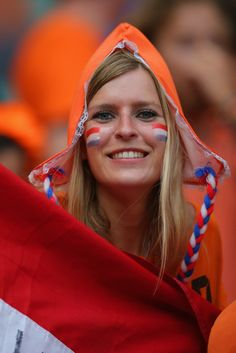 A Netherlands fan enjoys the atmosphere prior to the 2014 FIFA World Cup Brazil Quarter Final match between the Netherlands and Costa Rica at Arena Fonte Nova on July 2014 in Salvador, Brazil. Hot Football Fans, Football Girls, Football Stadiums, Football Players, Steven Gerrard, Soccer World, World Of Sports, Premier League, Running Drills