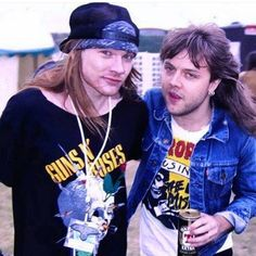 Axl Rose and Lars Ulrich backstage at the Monsters of Rock festival at Castle Donington in 1988 Guns N Roses, Metallica, Rock N Roll, Axl Rose Slash, Macho Alfa, Theatre Problems, The Duff, Music Is Life, Rock Music