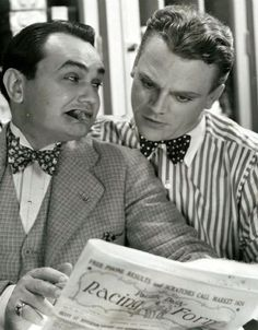 "Edward G Robinson and James Cagney in ""Smart Money"", 1931 Hollywood Stars, Hollywood Men, Hooray For Hollywood, Golden Age Of Hollywood, Vintage Hollywood, Classic Hollywood, Hollywood Cinema, Vintage Vogue, James Cagney"