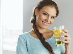 Por qué duele la cabeza si no tomas agua?