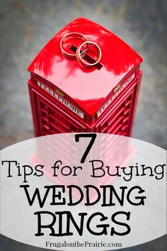 There's so much pressure to spend a fortune on wedding rings but you don't have to! Save money by following these 7 easy tips.
