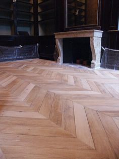 Atelier des Granges (French parquet) - A beautiful Chevron Harwood floor - #183