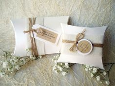 Wedding Favor Boxes Party Favor Boxes Pillow Boxes Burlap Box White Pillow Boxes Gift Boxes on Etsy Candy Wedding Favors, Rustic Wedding Favors, Wedding Favors Cheap, Wedding Favor Boxes, Card Box Wedding, Party Favors, Wedding Gifts, Wedding Table, Trendy Wedding