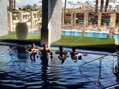 Piscina com água salgada em frente ao #marmorto! Delícia!  #Israel #boiando by flyworldbarra