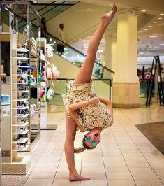 Look who did the 10 minute photo challenge! dance Brynn Rumfallo fan of the star. Dance Moms Dancers, Dance Mums, Dance Moms Girls, Dance Poses, Dance Moms Season 5, Dancers Among Us, Flexibility Dance, Brynn Rumfallo, Dance Photo Shoot