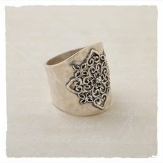 Rings - Laurel Ring