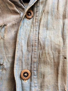 Denim, women, cars 'n boots Vintage Denim, Vintage Fashion, Denim Button Up, Button Up Shirts, Red Button, Its A Mans World, Kinds Of Clothes, Tee Design, Chambray